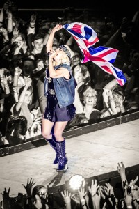 Lady_Gaga_You_and_I_Manchester